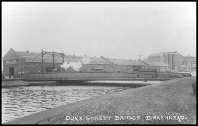 Duke Street Bridge, Docks